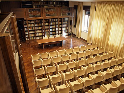 Biblioteca Comunale De Nobili