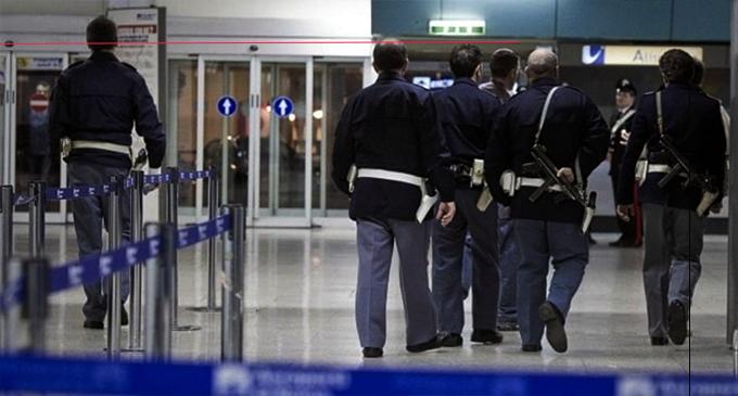 Lamezia, Aeroporto: denunciato passeggero in possesso di cartucce
