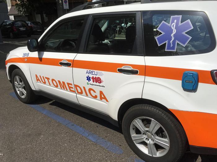 Vibo: scontro tra due auto, morto operatore del 118