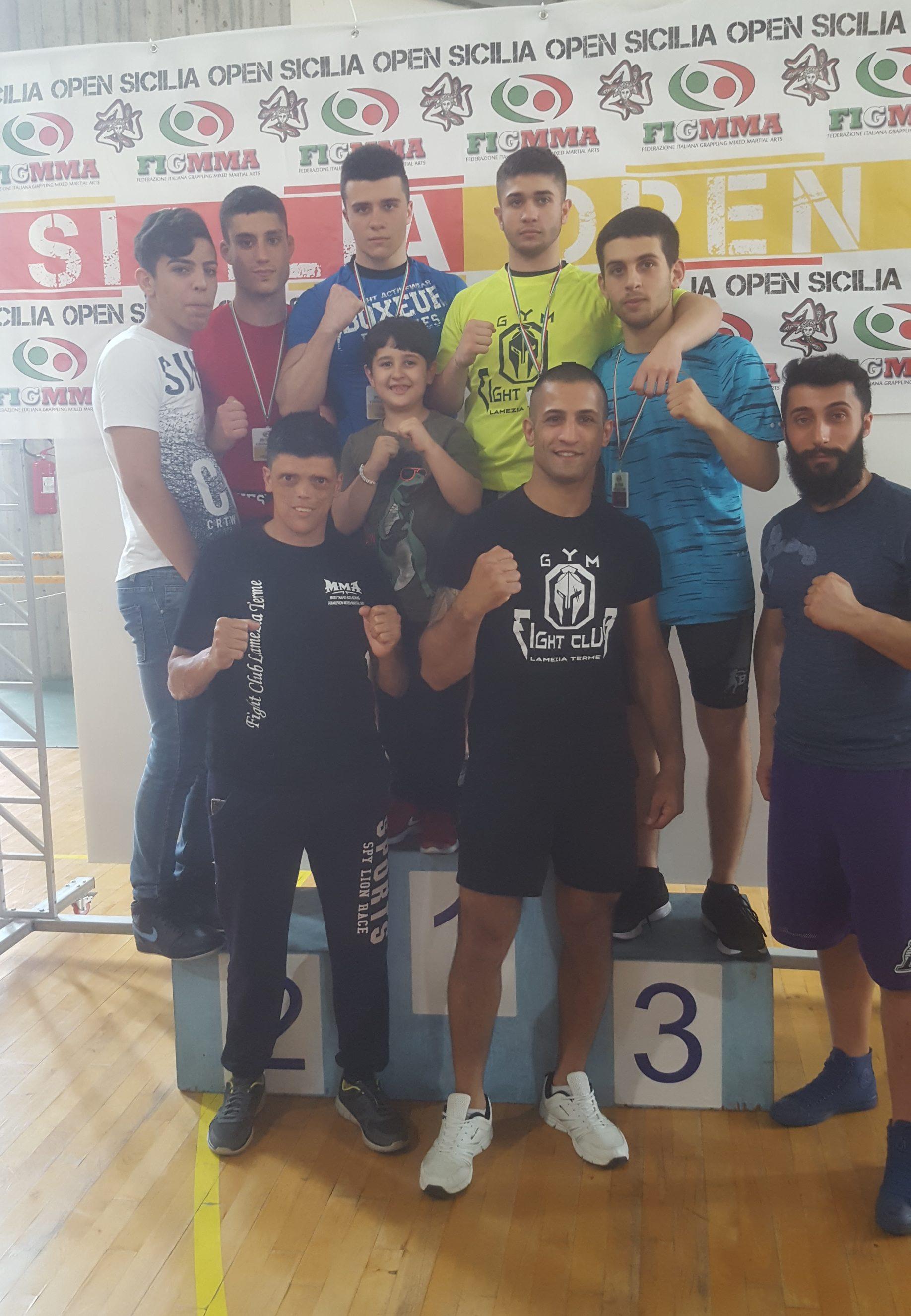 3 ori e un bronzo per fight club lamezia-LameziaTermeit