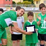 Gianluca Cugnetto premiato dal figlio Andrea