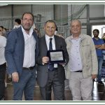 Il presidente Mazzocca riceve la Targa da Calabria Futsal