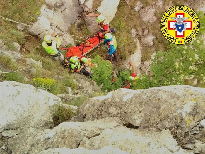 Cerchiara di Calabria. Escursionista scivola su parete