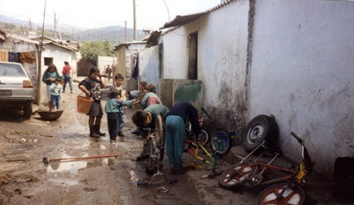 Lamezia, omicidio nel campo rom: continuano senza sosta le indagini della polizia