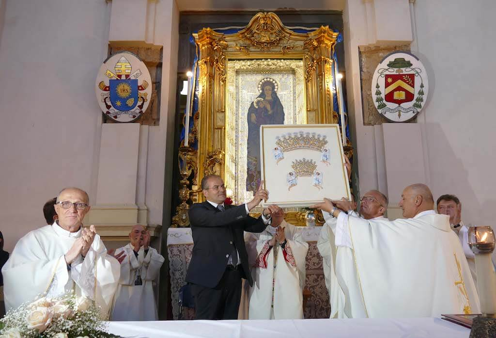 Michele Affidato presenta il libro I Nuovi Diademi della Vergine di Czestochowa