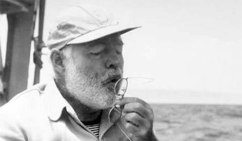 Suicidi letterari protagonista Ernest Hemingway