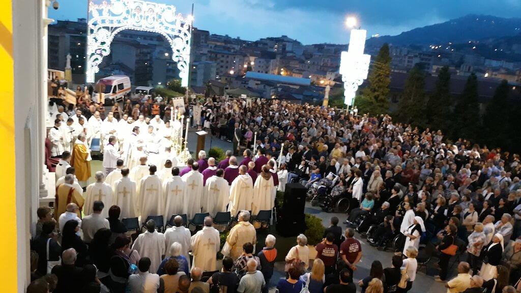 Lamezia. Processione del Corpus Domini per le vie della città