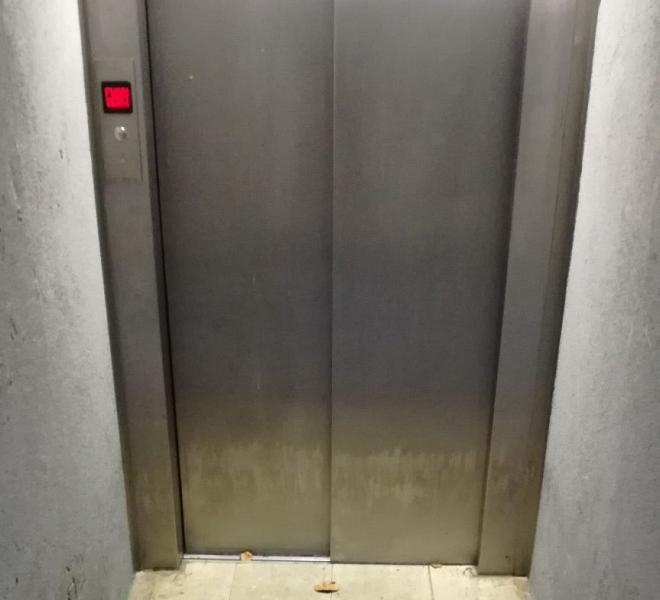 ospedale bloccati in ascensore