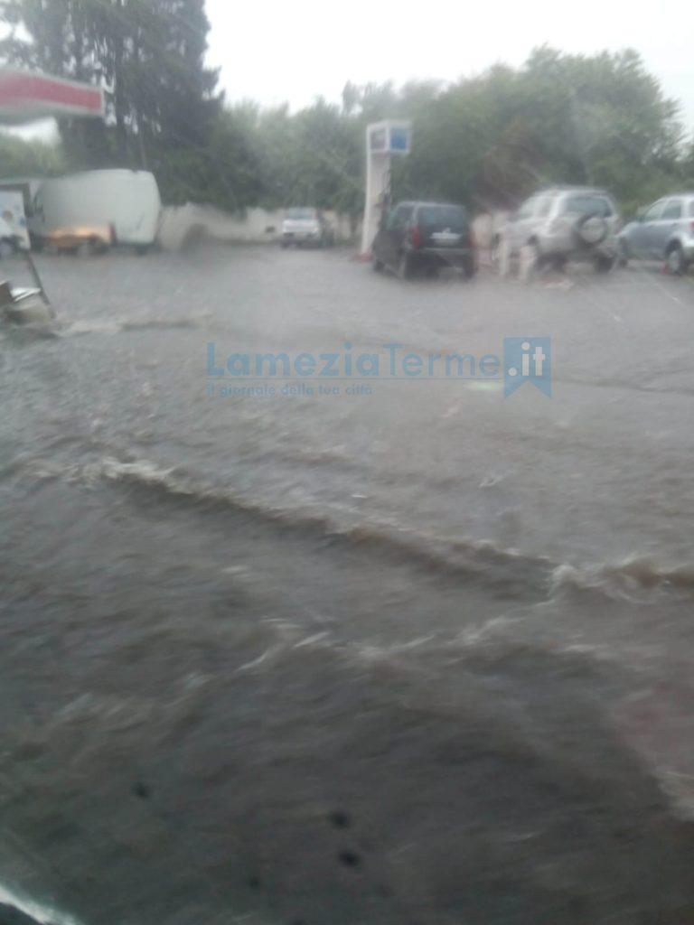 Maltempo in Calabria, nubifragi anche nel Lametino