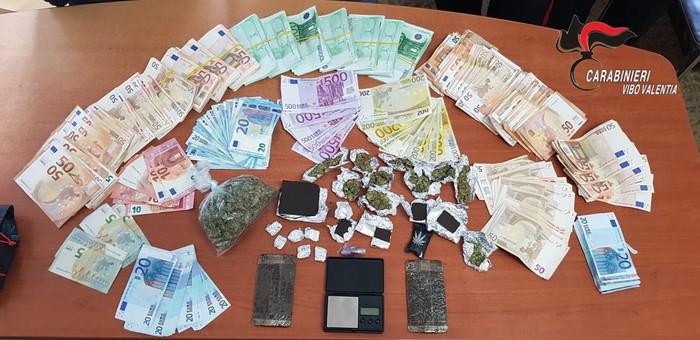 Nicotera. Hascisc e marijuana in casa, arrestati due fratelli