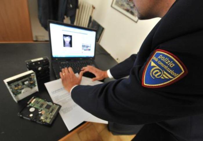 Pedofilia: un arresto a Reggio Calabria