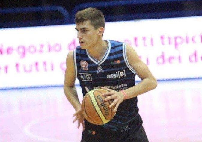 Edoardo Piccinini nuovo giovane play del Basketball Lamezia