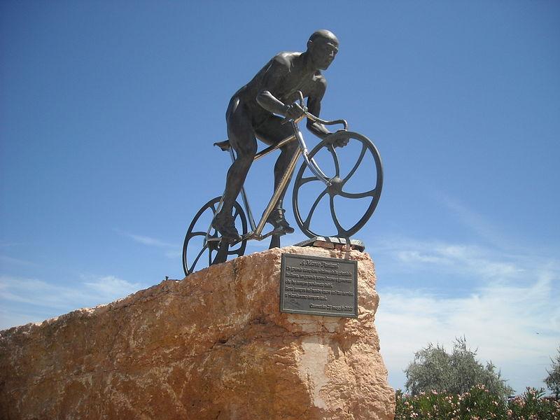 Statua Marco Pantani a Cesenatico