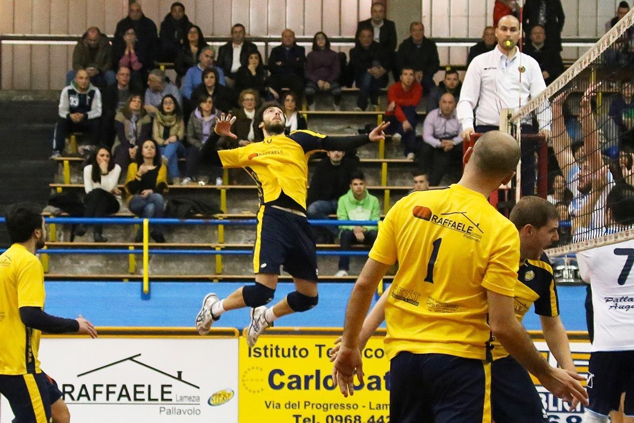 Top Volley Lamezia, preso lo schiacciatore lametino Vittorio Butera