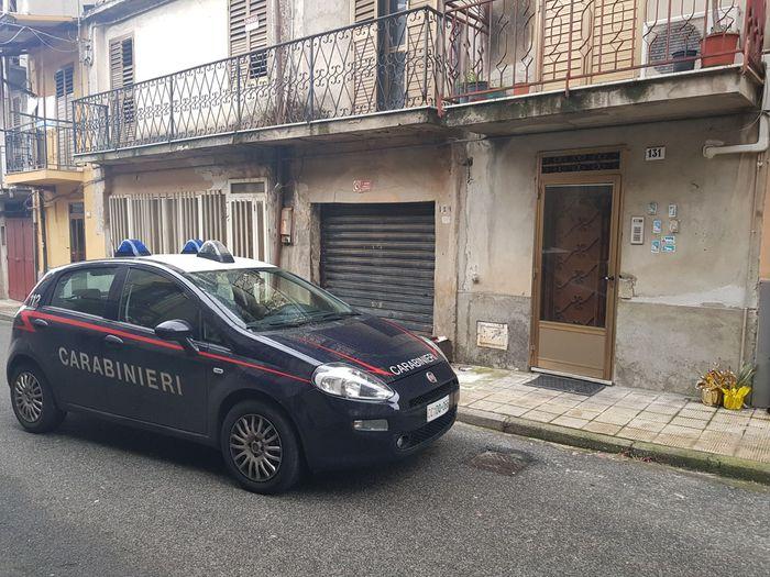 Crotone. Carabinieri arrestano uomo per atti osceni