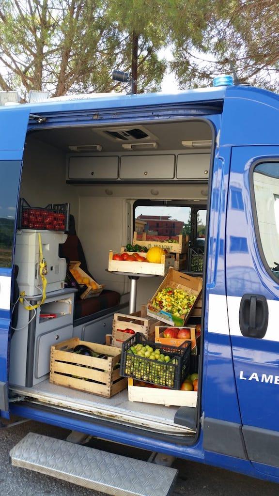 Lamezia. Polizia Locale sequestra un quintale e mezzo di frutta