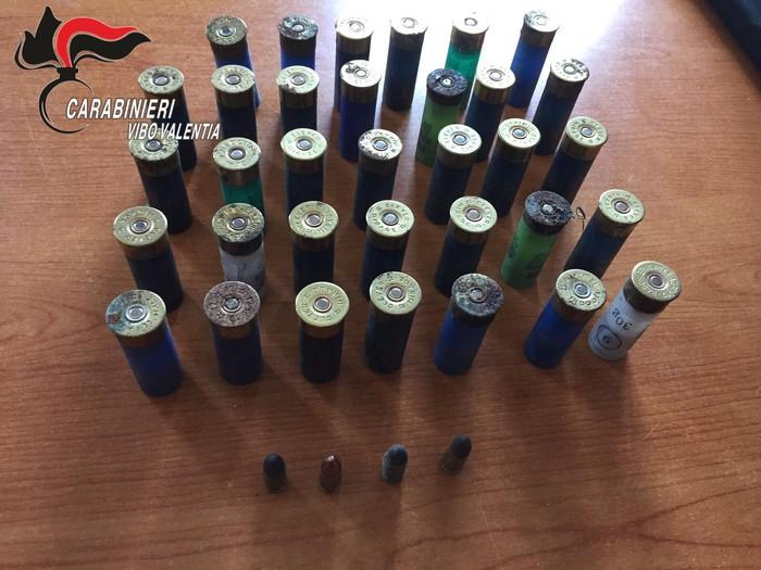 Nicotera. Parti di armi e munizioni trovate dai Carabinieri