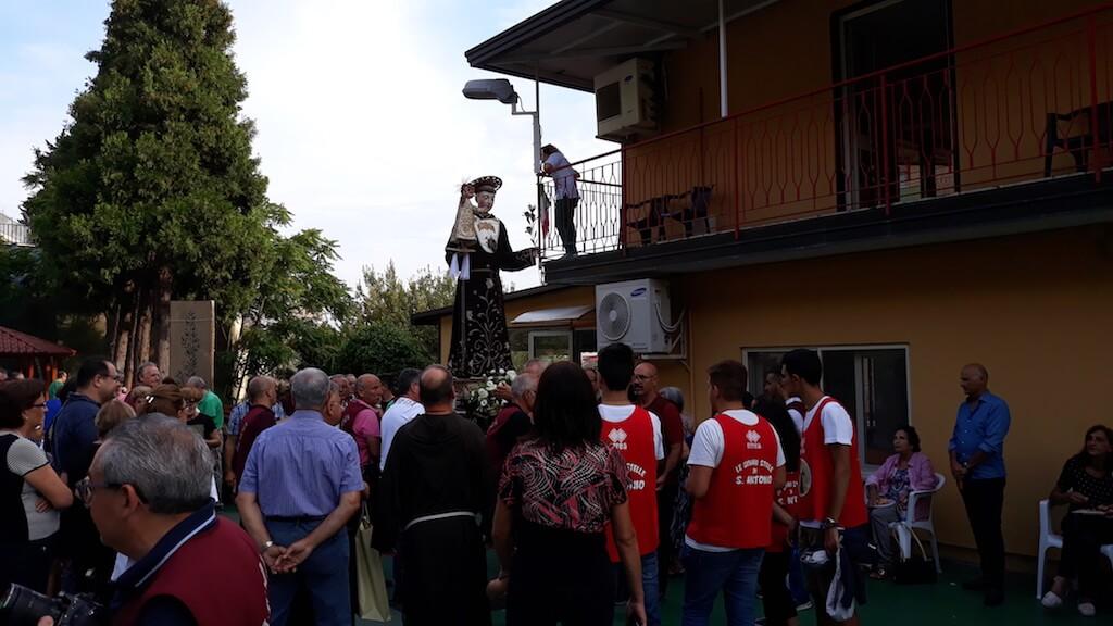 S. Antonio in visita agli anziani delle case di riposo Tamburelli e Bosco S. Antonio