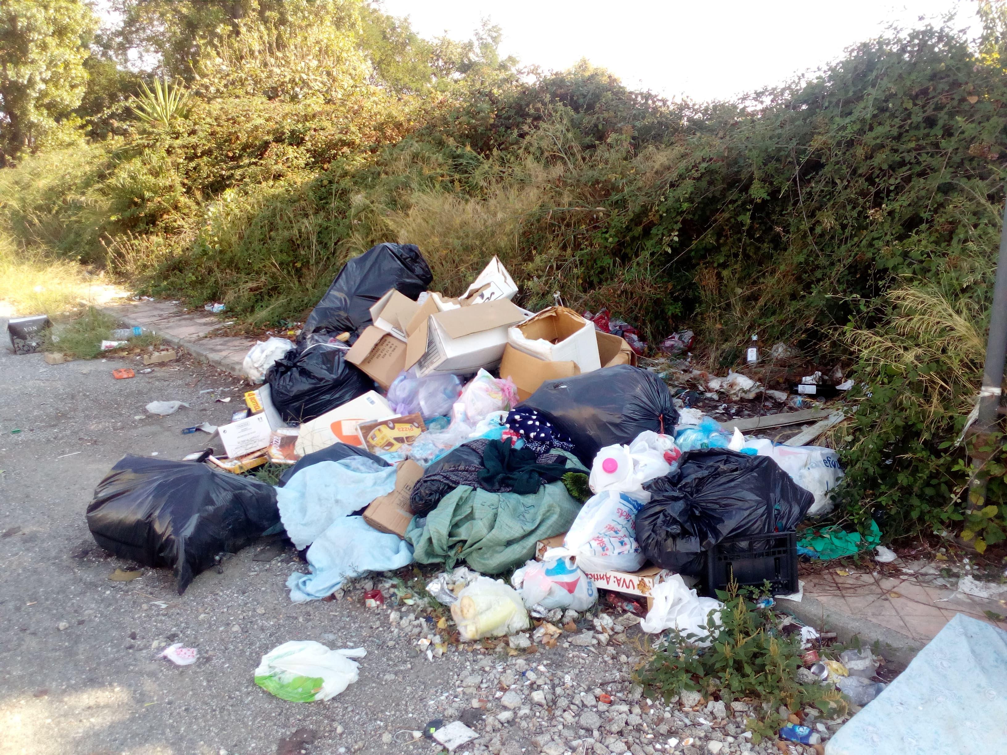 spazzatura quartieri Sant'Eufemia