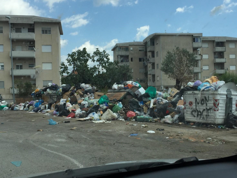 emergenza rifiuti esposto di Mastroianni-LameziaTermeit