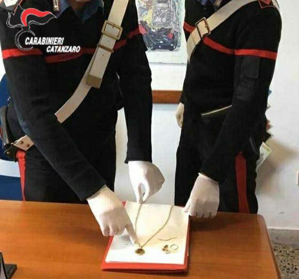 Sellia Marina: carabinieri arrestano due ladri d'appartamento