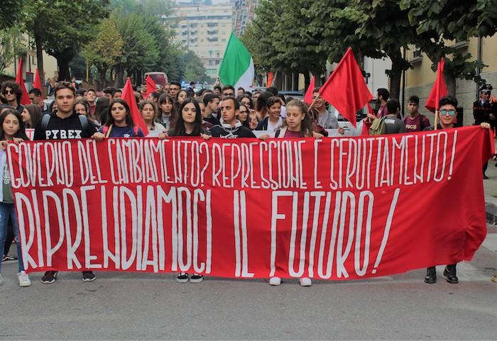 Studenti in piazza contro il governo Lega-M5S