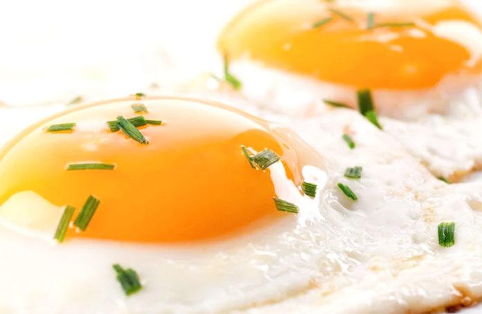 ricetta giovedì gnocchi uova fritte con caciocavallo