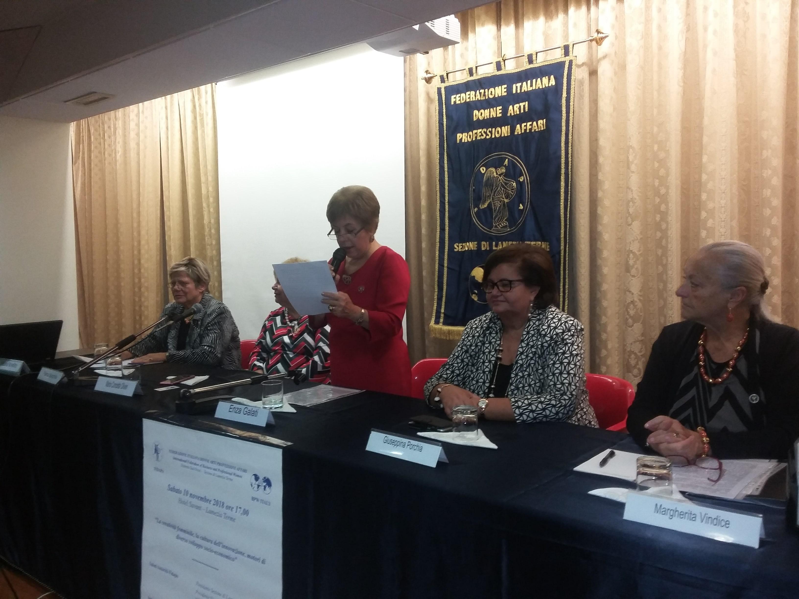 incontro sulla creatività delle donne a cura della Fidapa-LameziaTermeit
