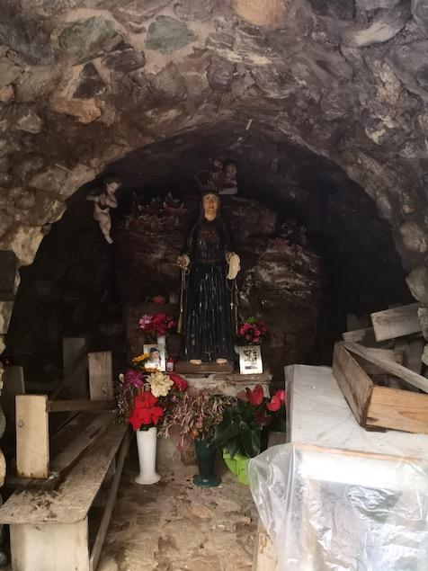 La statua della Madonnina a Sant'Ermia