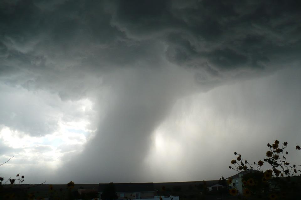 maltempo con rischio nubifragi e trombe d'aria-LameziaTermeit
