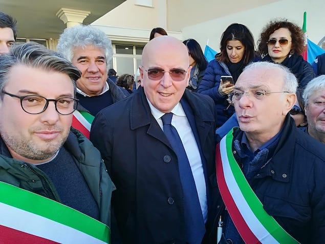 governatore oliverio protesta lsu lpu