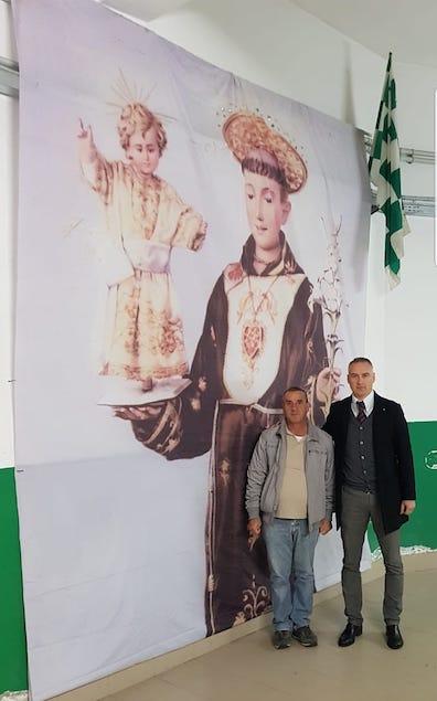 un telo gigante raffigurante il Santo Protettore della nostra città, Sant'Antonio da Padova