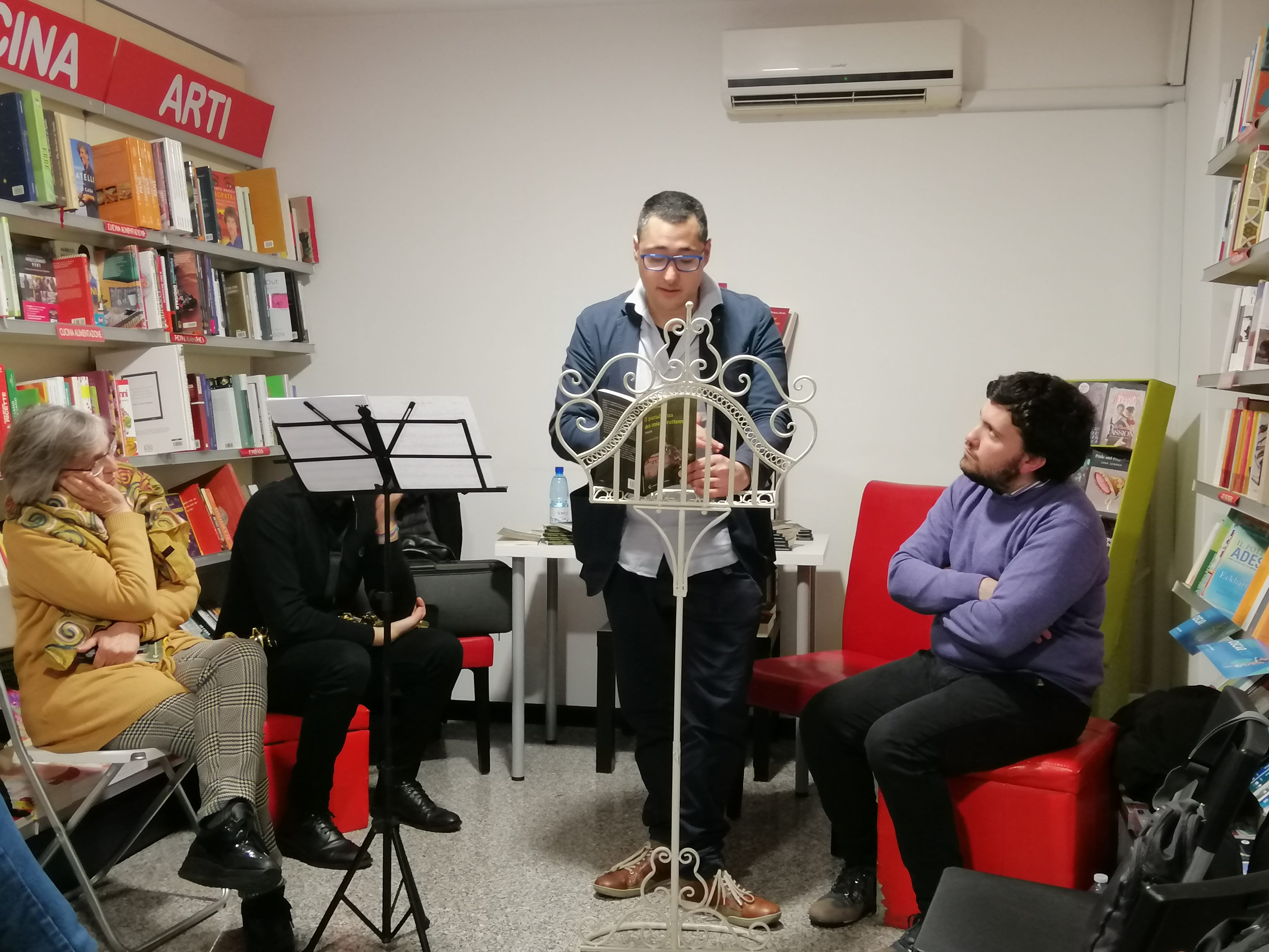 floriano lamanna presenta la prima raccolta poetica-LameziaTermeit