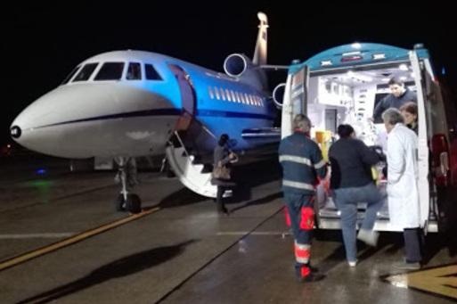 Neonato in pericolo di vita trasportato d'urgenza con volo Aeronautica da Reggio Calabria a Genova