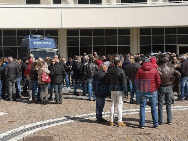Tirocinanti degli enti locali protestano alla Cittadella