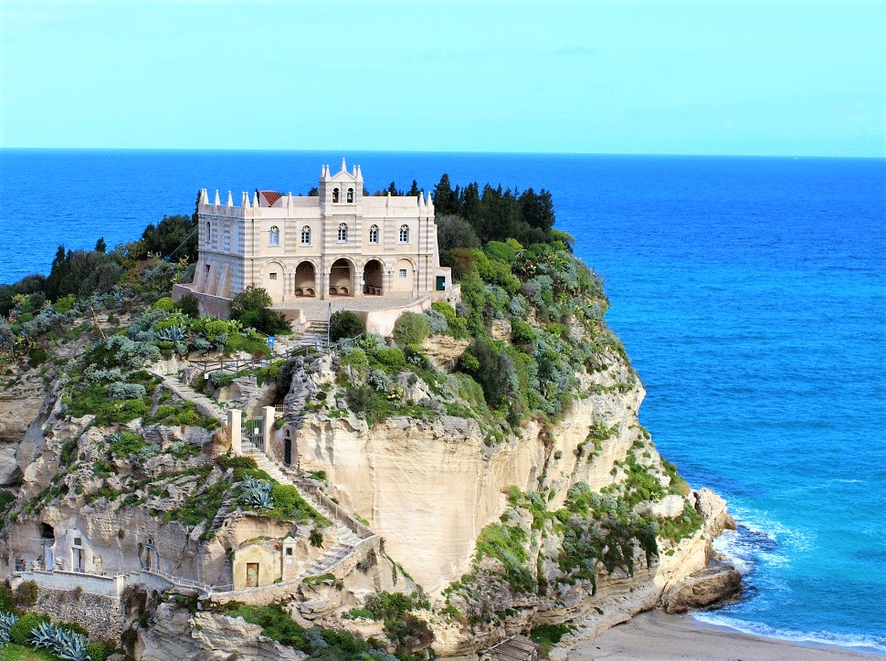 Palmi e Tropea tra le 21 spiagge più belle d'Italia secondo Travel 365