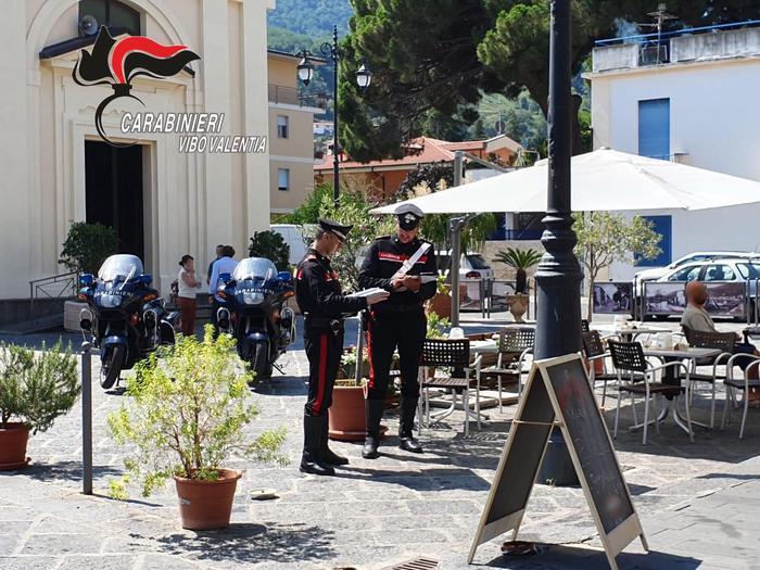 Controlli dei carabinieri nel vibonese, attività sospese per contratti a nero