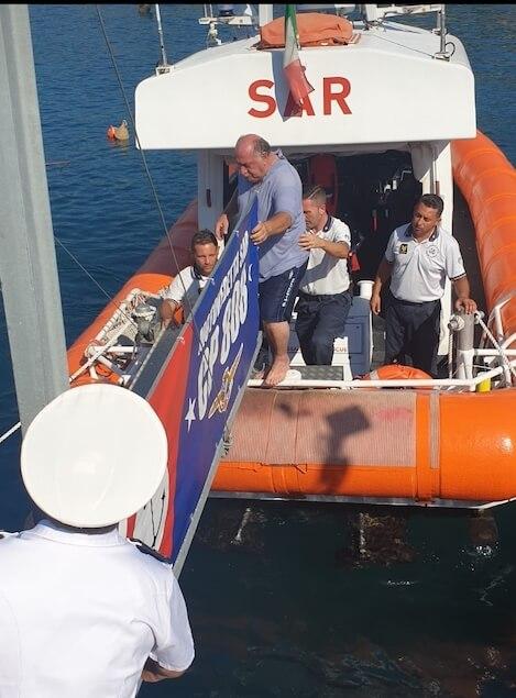 Affonda barca al largo di Pizzo, interviene la Capitaneria