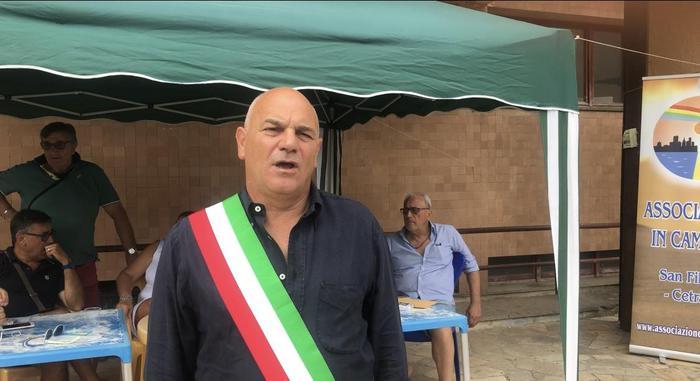 Sanità:Punto nascita Cetraro,sindaco attua sit-in protesta