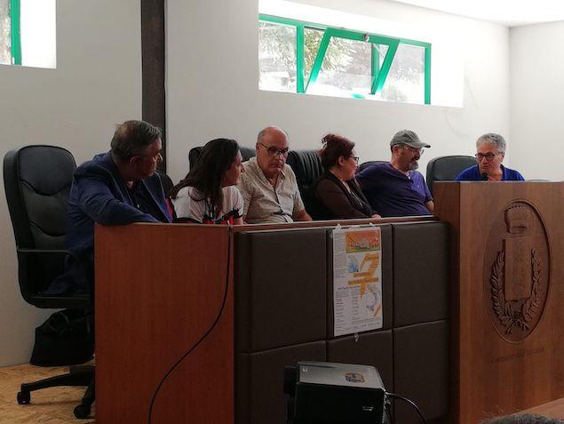tavolo relatori a Pazzano