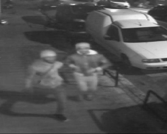 Reggio Calabria. Aggredito e rapinato, due arresti
