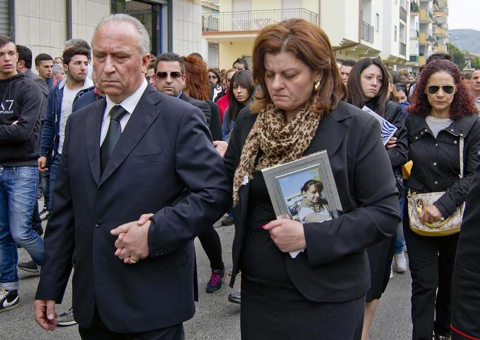 Padre di Fabiana, la 16enne uccisa: no a permessi all'omicida