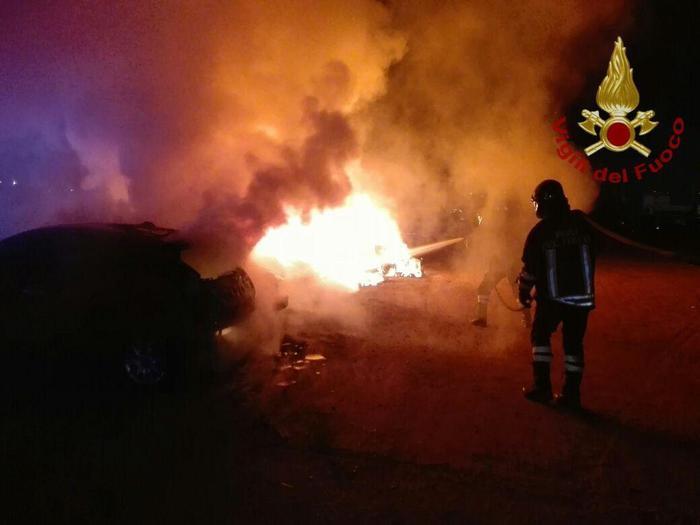 Vallelonga (VV). Incendiata l'auto del sacerdote