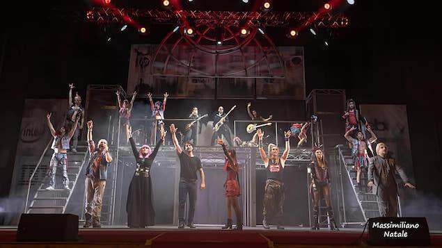 """Trionfo per """"We Will Rock You"""", il musical dei Queen a Cosenza"""