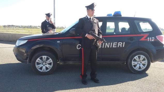 Auto carabinieri Crotone
