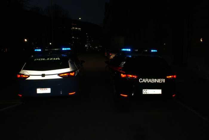 Auto di polizia e carabinieri