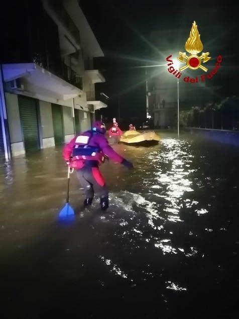 Maltempo in Calabria, 200 interventi dei vigili del fuoco