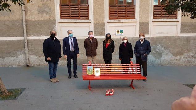 Adozione simbolica di una panchina del Lions Club Lamezia Terme Valle del Savuto e Lamezia Host