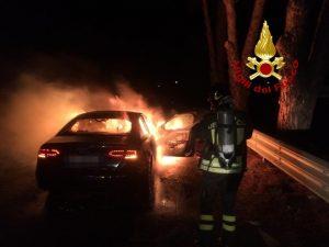 Lamezia. In fiamme autovettura sulla SS280