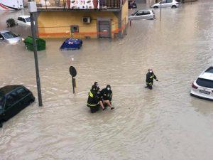 Maltempo: bomba d'acqua a Crotone